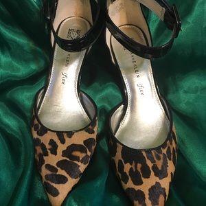 1561b13bea3 Women s Anne Klein Shoes Kitten Heels on Poshmark